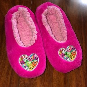 Pink shopkins slippers size 1-2